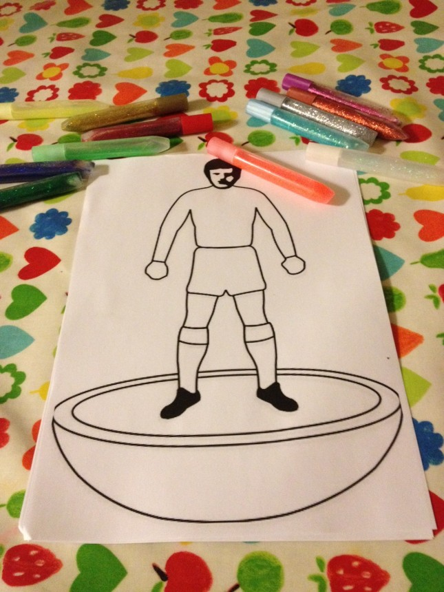 Glitter pens and template at the ready. Here we go...